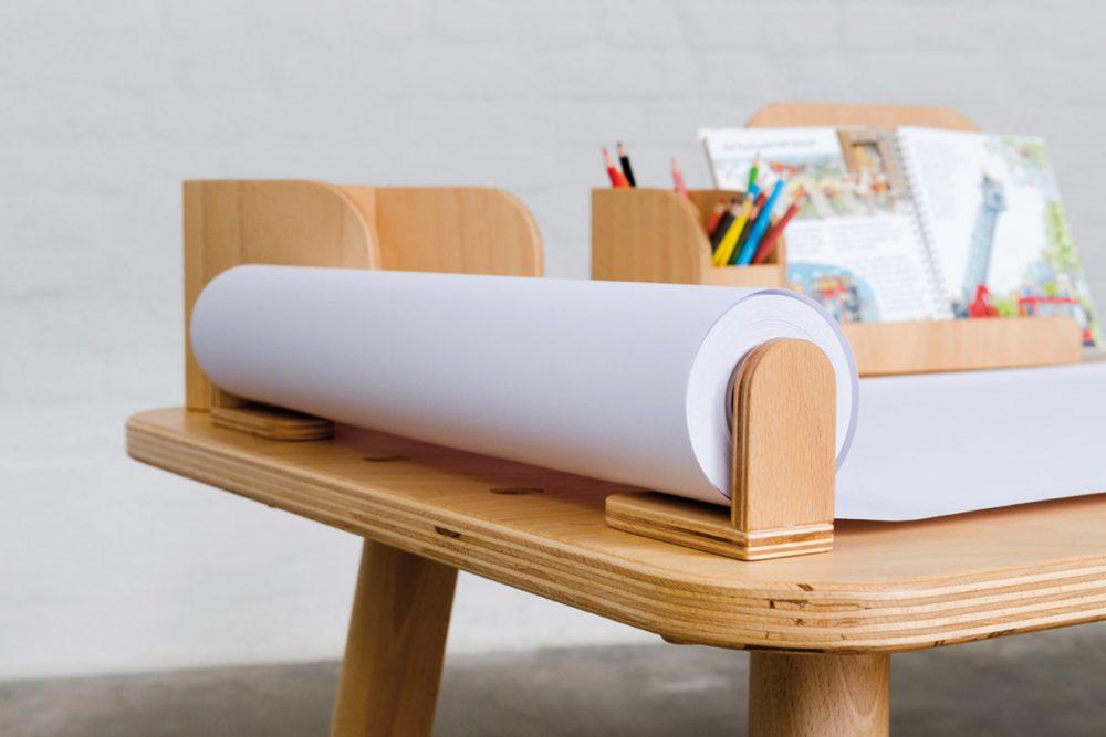 Eine Papierrolle die auf dem growing table befestigt ist