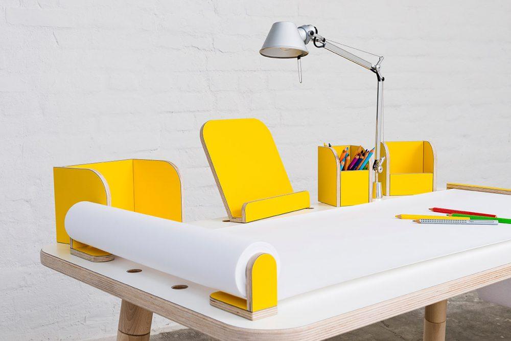 Growing Table mit gelben Zubehör