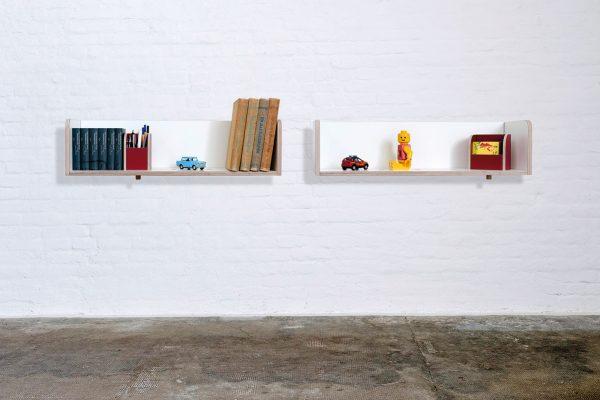 Wandregal gt shelf mit Büchern und Spielsachen gefüllt