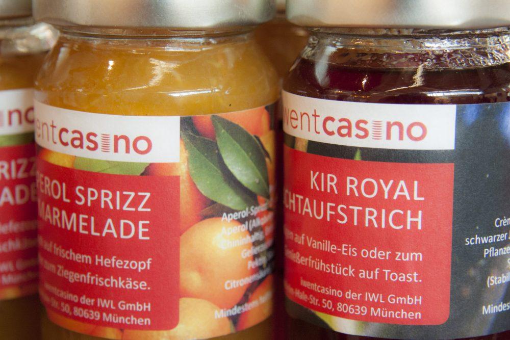 zwei verschiedene Marmeladensorten von dem iwentcasino.
