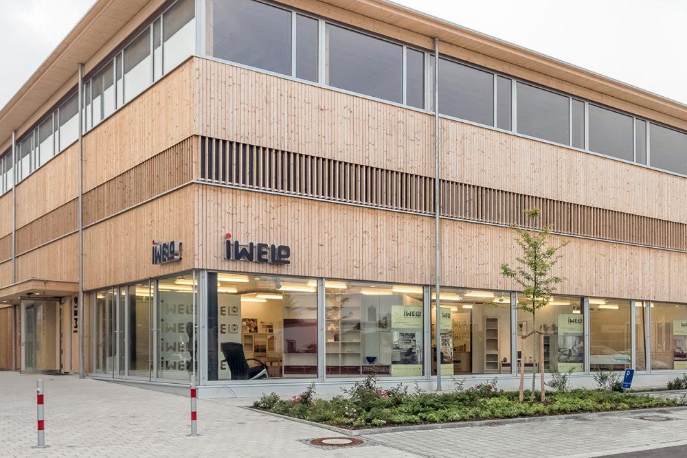 Außenaufnahme des IWELO Ladens in Landsberg