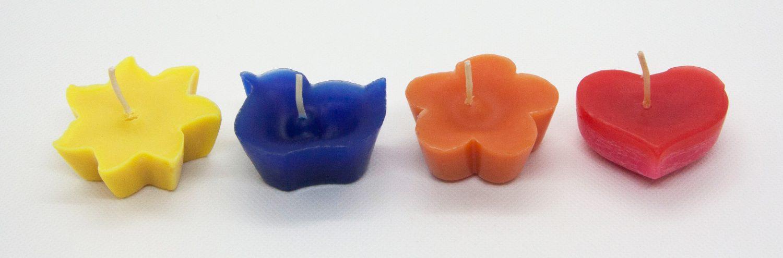 Bunte Vielfalt an Farben und Formen der kleinen Kerzen der IWL